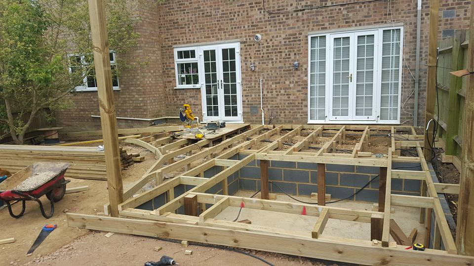 Allscapes decking and hot tub in hazlemere for Garden decking and hot tub