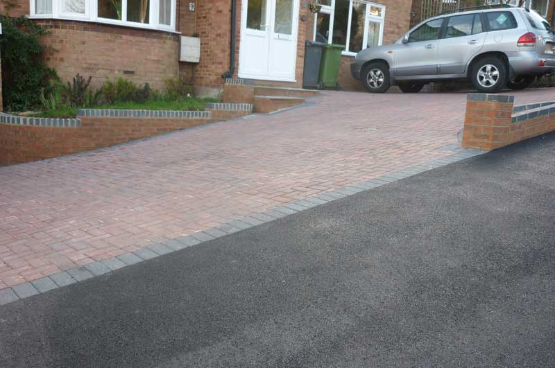 Allscapes driveways in block paving tarmac and shingle for Sloped driveway options