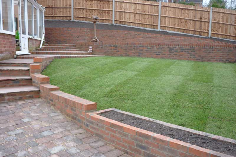 Allscapes contract landscape gardeners in beds berks for Hard landscaping