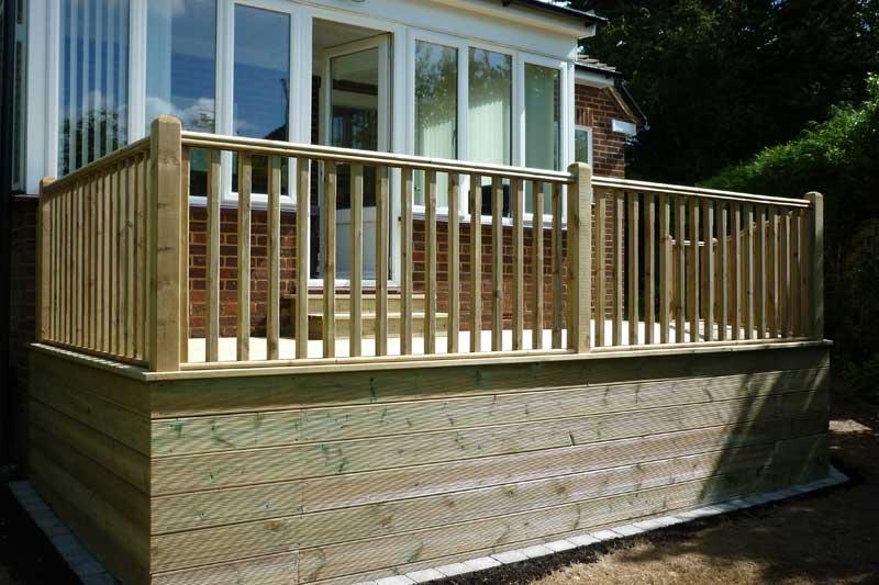 Garden pagodas and wooden decking in high wycombe bucks for Decking terrace garden