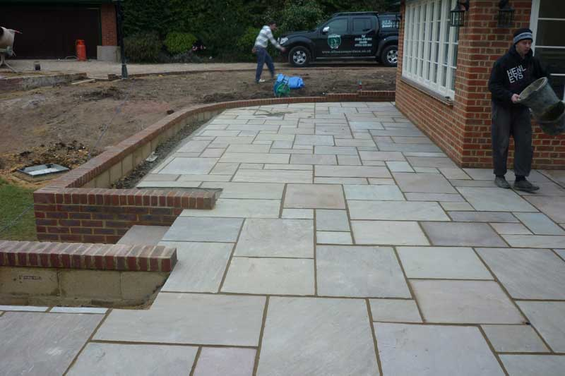 allscapes contract landscape gardeners in beds berks