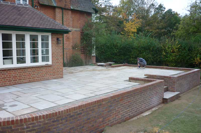 Allscapes :: Contract & Landscape Gardeners in Beds, Berks ... on Raised Garden Patio Ideas id=11440